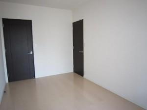 ベイクレストタワー 7.3帖洋室